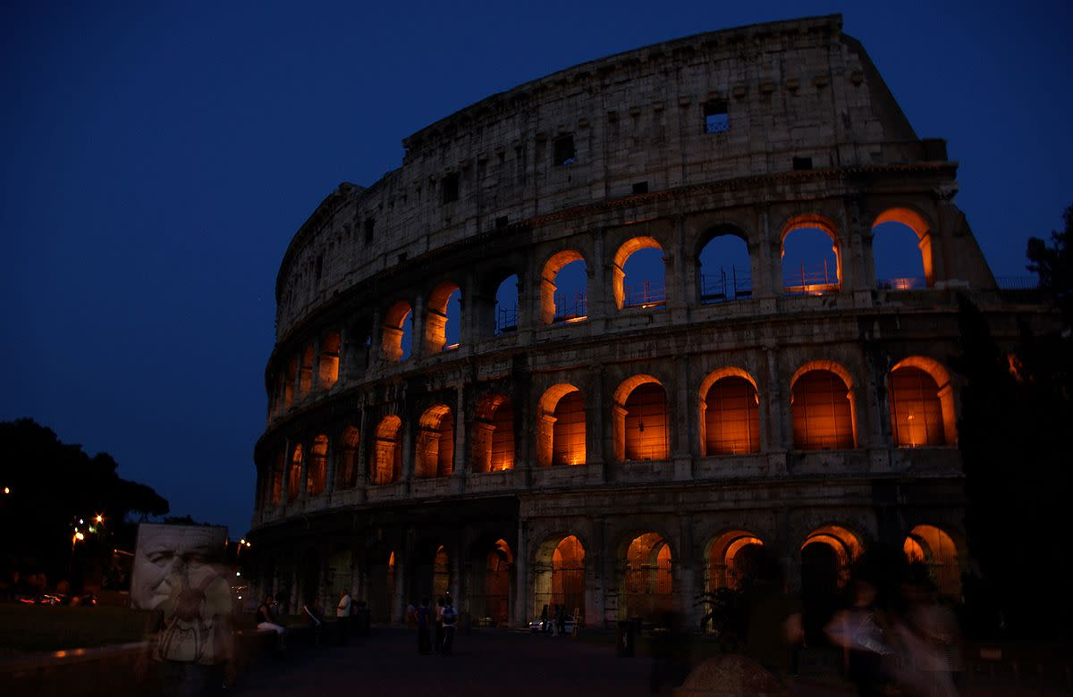 Photograph of the Roman Colosseum by Janericloebe courtesy of Wikimedia Commons; author released work to the public domain.