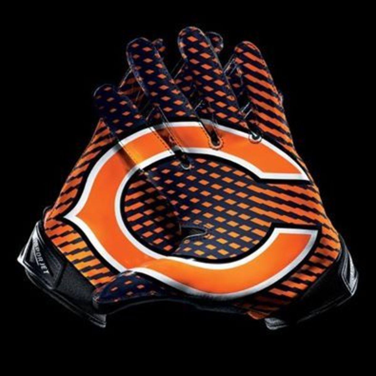 "The Bears iconic wishbone ""C"""