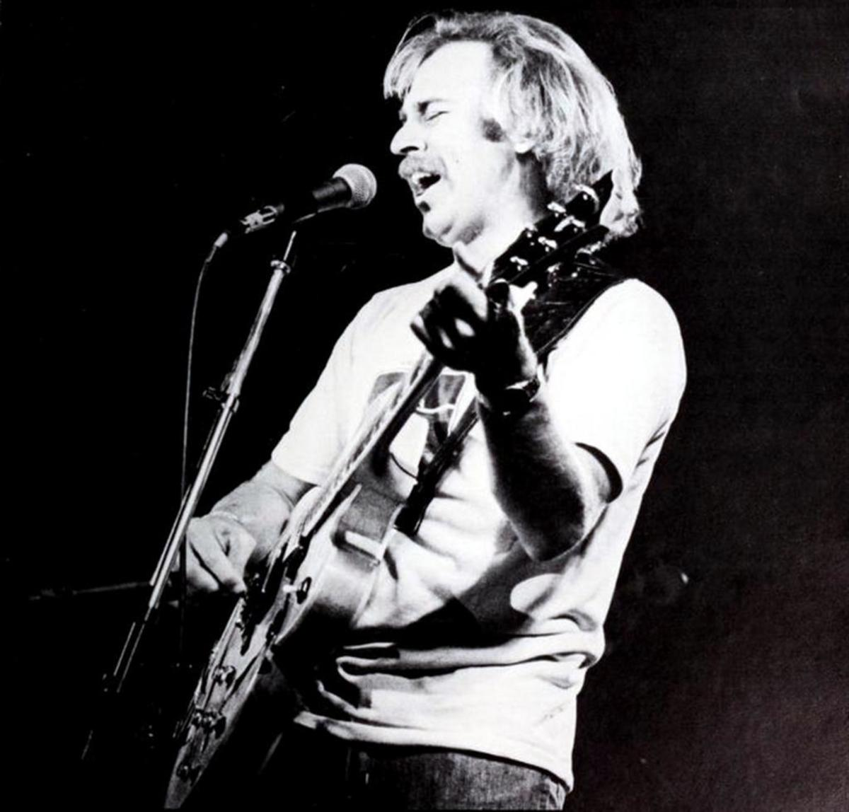 Jimmy Buffett performing at Clemson University, February 25, 1977.