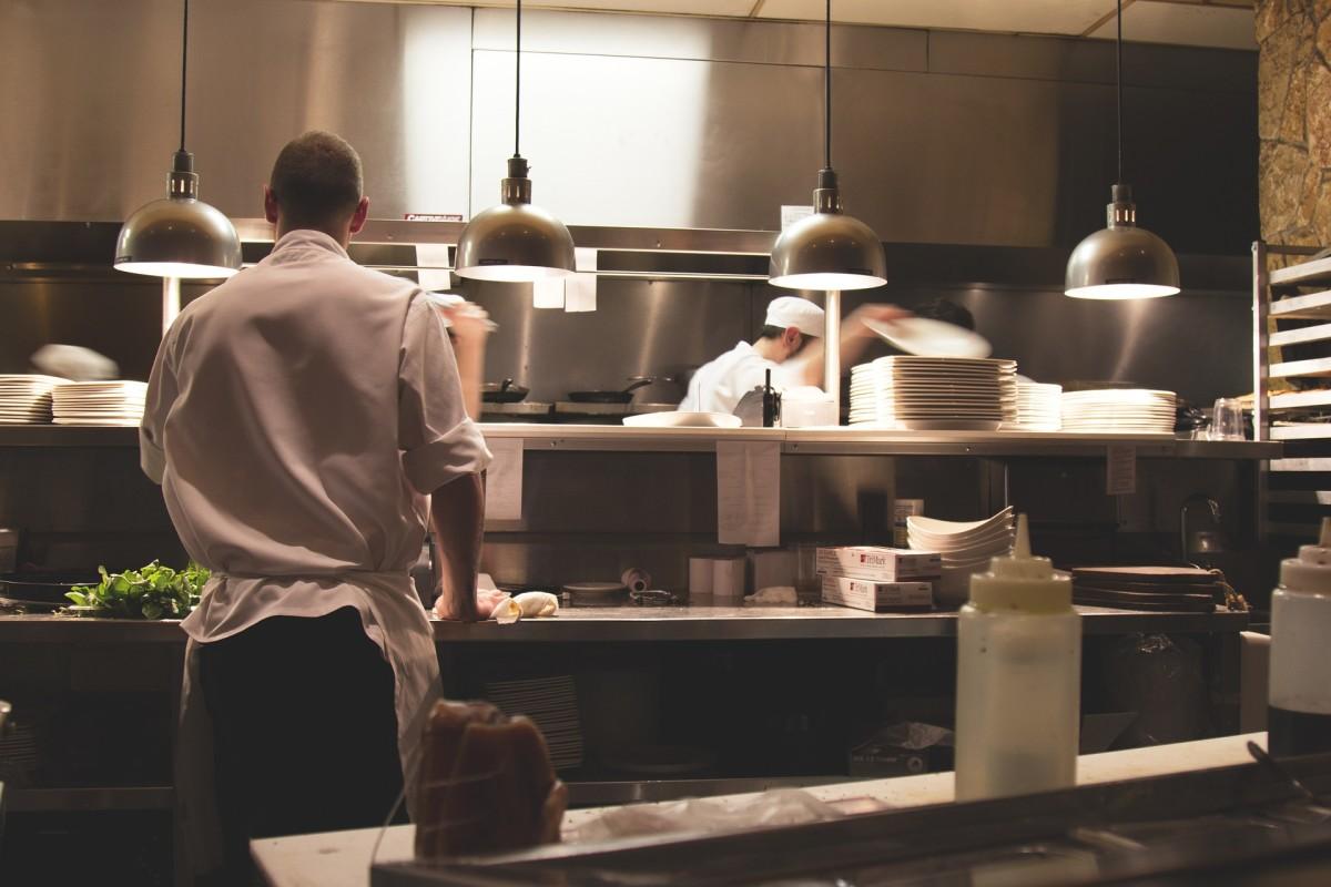 Working as a Restaurant Server: 5 Tricks of the Trade