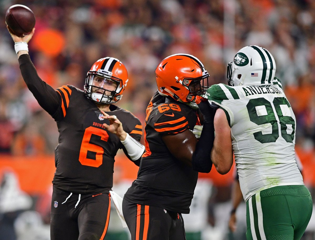 Cleveland Browns quarterback Baker Mayfield (6) throws a pass during the first half of a game against the New York Jets at FirstEnergy Stadium in 2018. By winning, the Browns snapped a 19-game winless streak that had lasted 635 days.