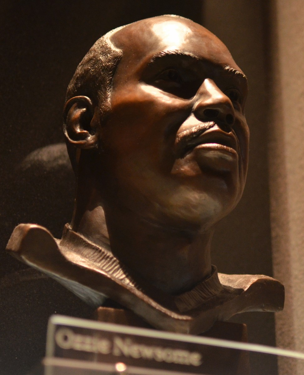 Ozzie Newsome's bust as seen in the Pro Football Hall of Fame.