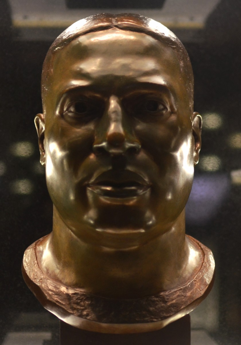 Marion Motley's bust as seen in the Pro Football Hall of Fame.