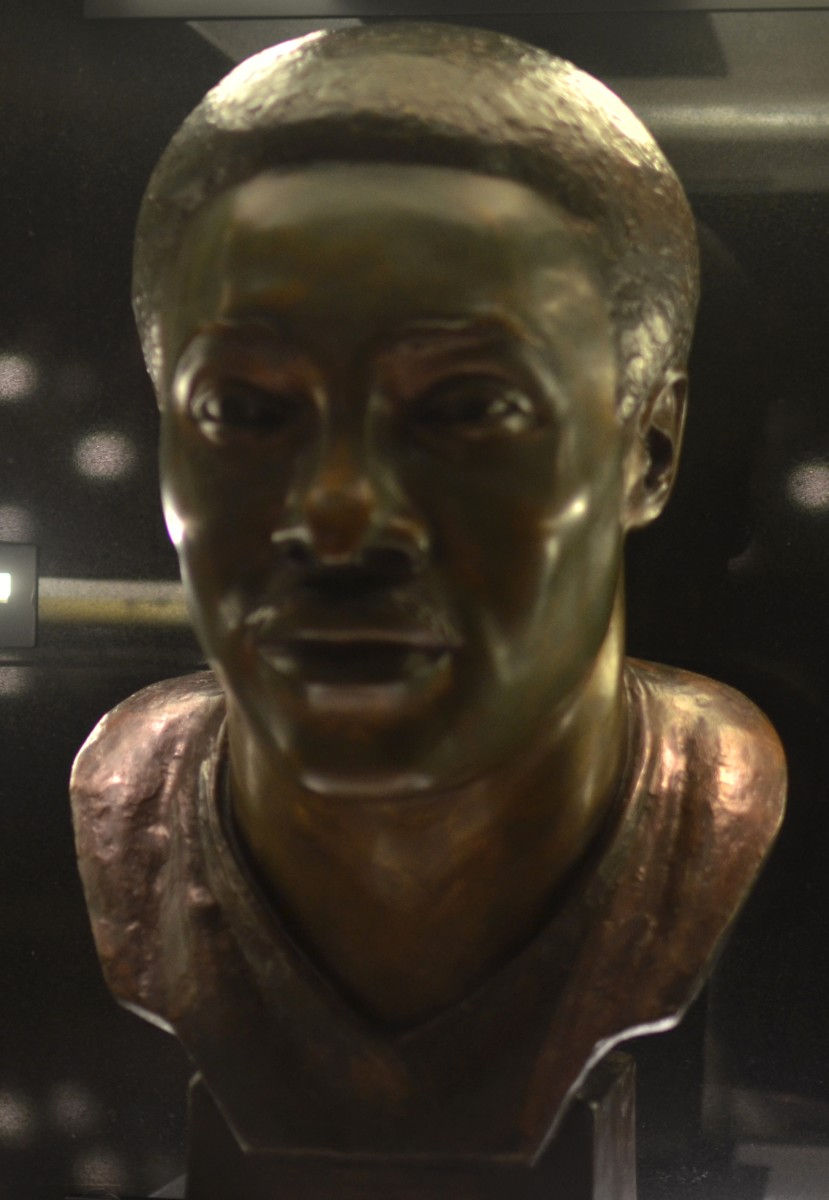 Paul Warfield's bust as seen in the Pro Football Hall of Fame.