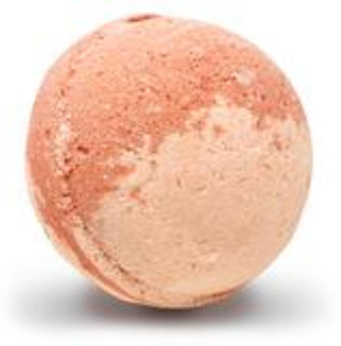 Rejuvenate bath bomb as sold on bubbly belle.