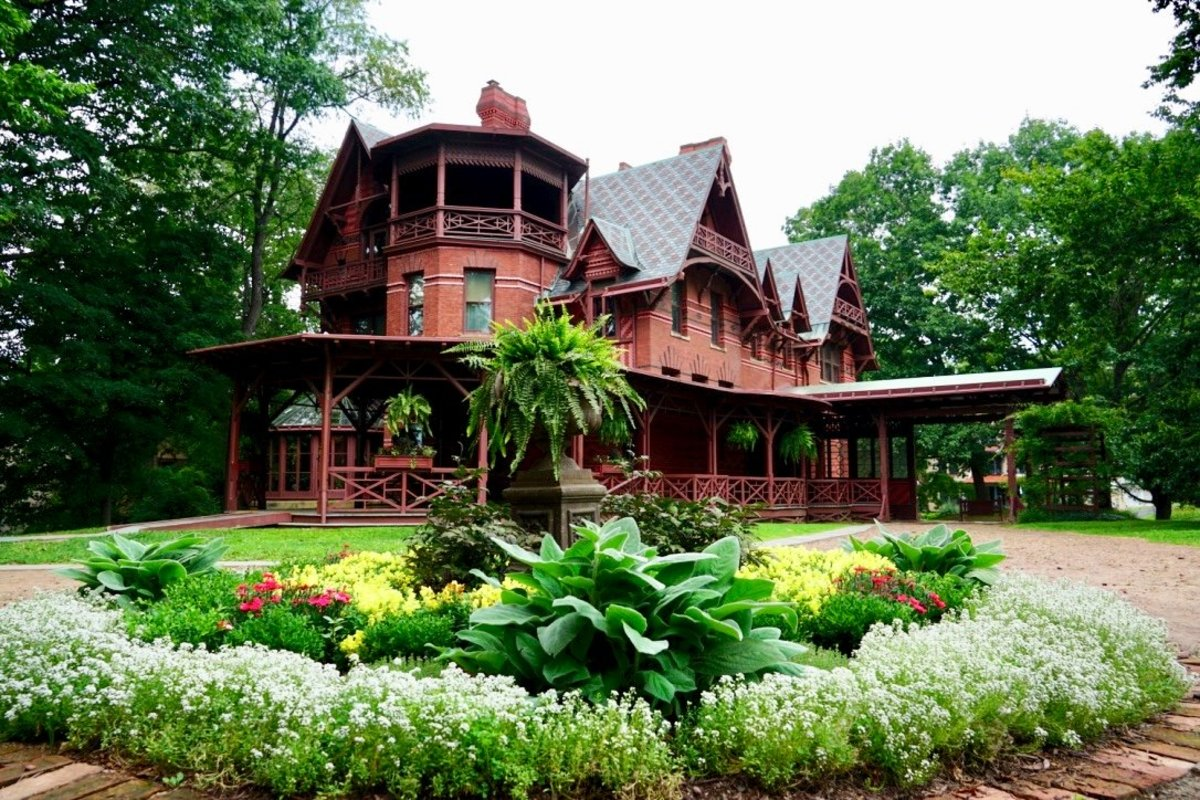 Visiting the Mark Twain House and Museum