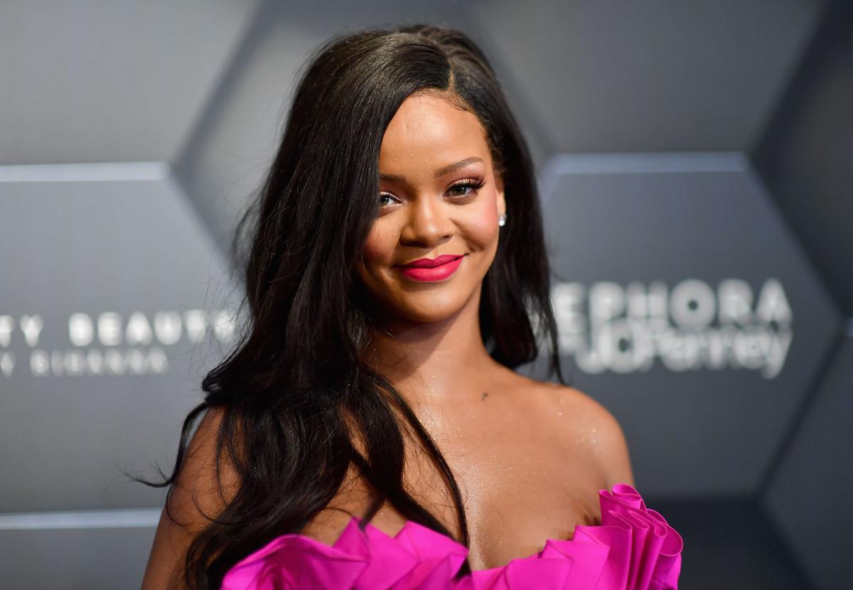 The Hair(volution) of Rihanna