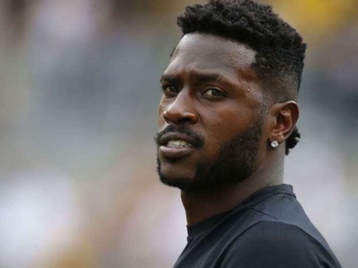 A Timeline of Bad Decisions Made by Antonio Brown