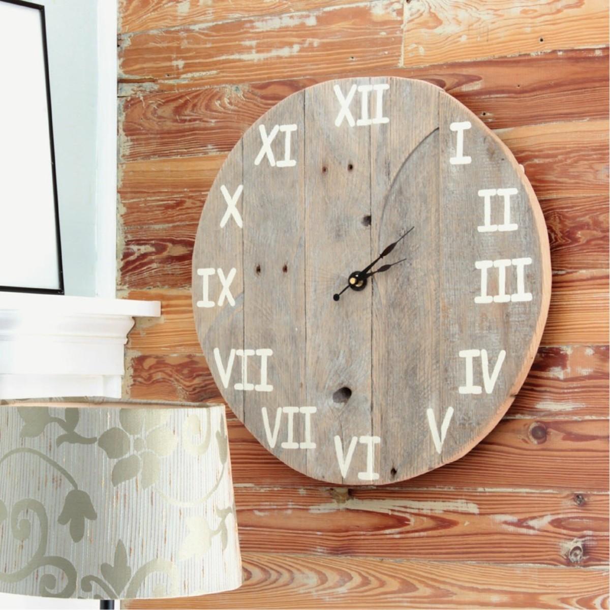 Guerilla Furniture Design - Rustic Wooden Clock (DIY Projects)