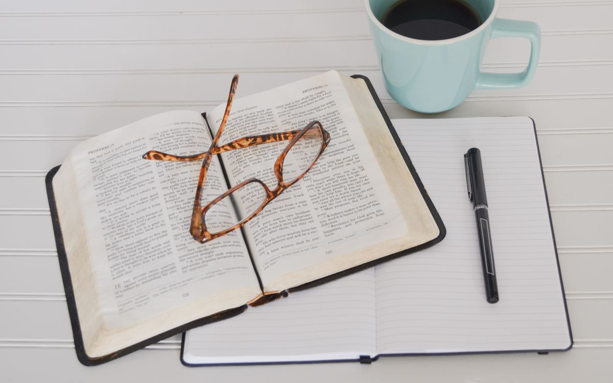 4 Tips for Buying an Accurate Bible