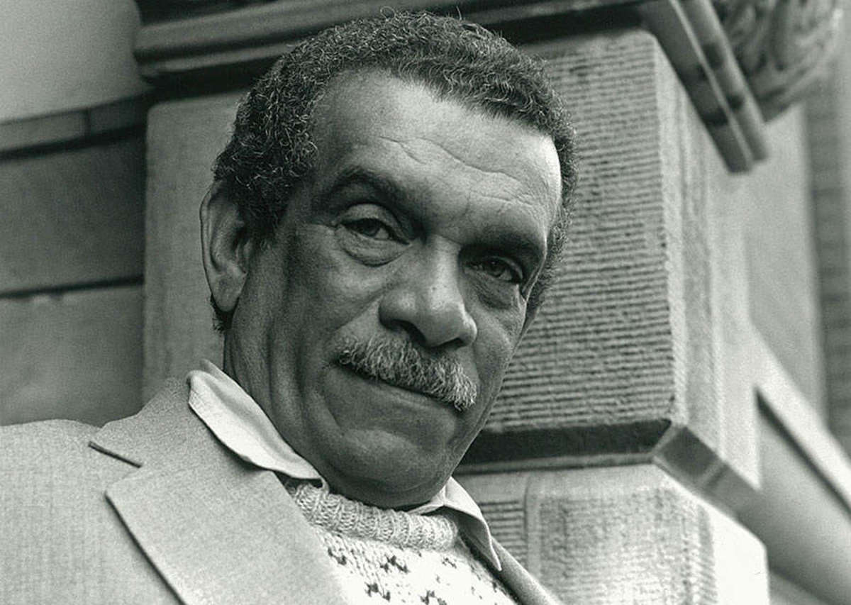 Analysis of Poem Ruins of a Great House by Derek Walcott