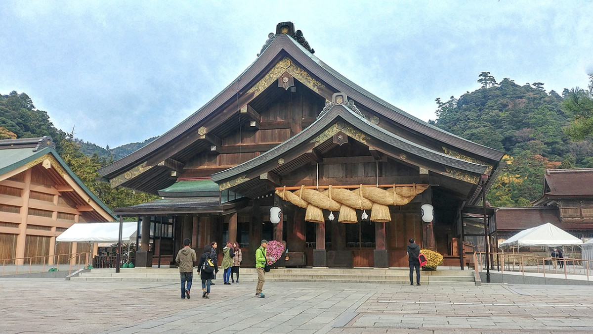 The ancient land of Izumo is home to many important Shinto myths. Such as that of Sukuna Hikona, the diminutive advisor.