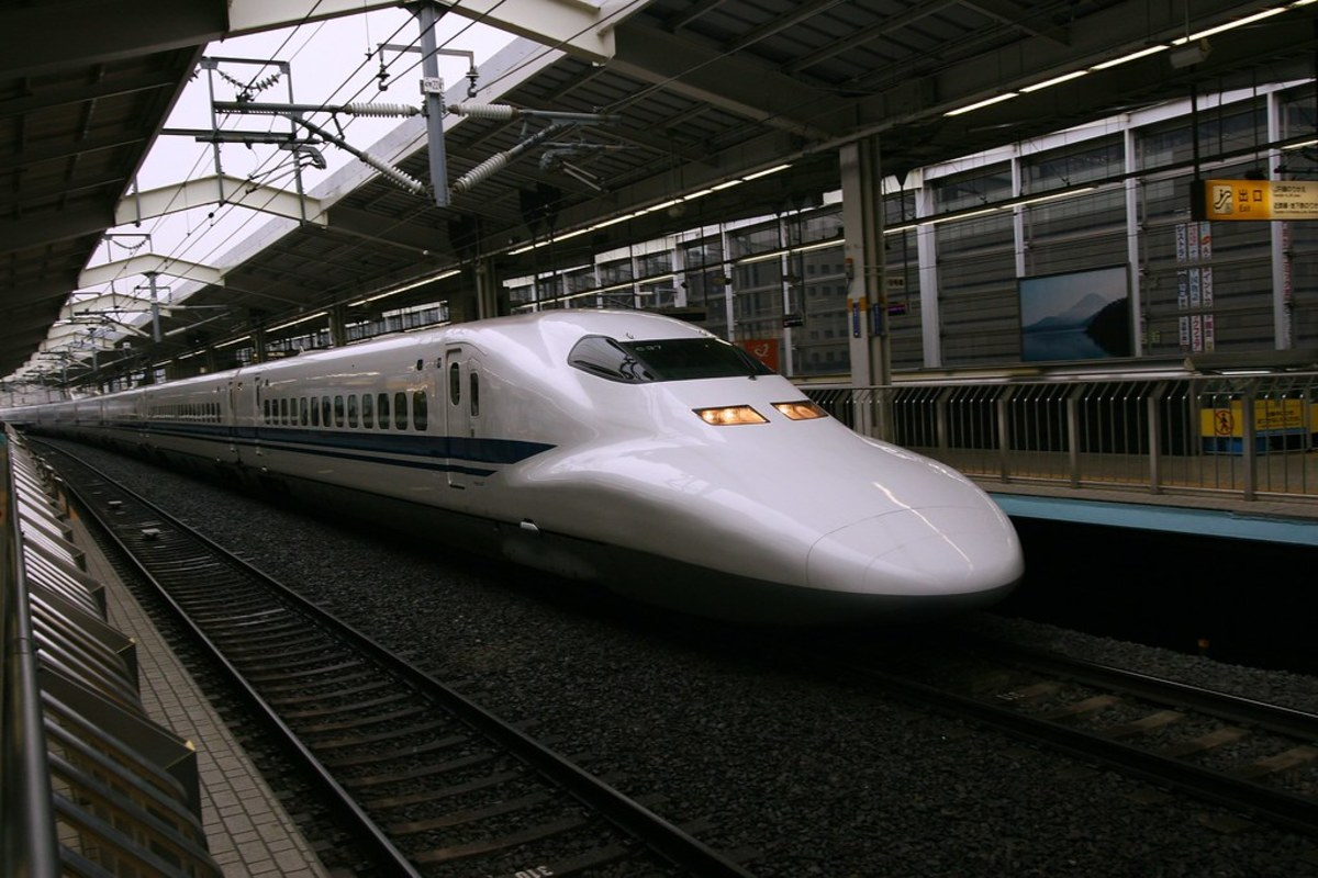 Getting Around Japan: Planes vs. Bullet Trains