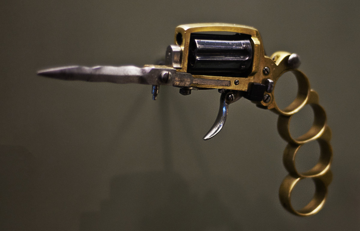 why-the-apache-revolver-is-a-terrible-weapon