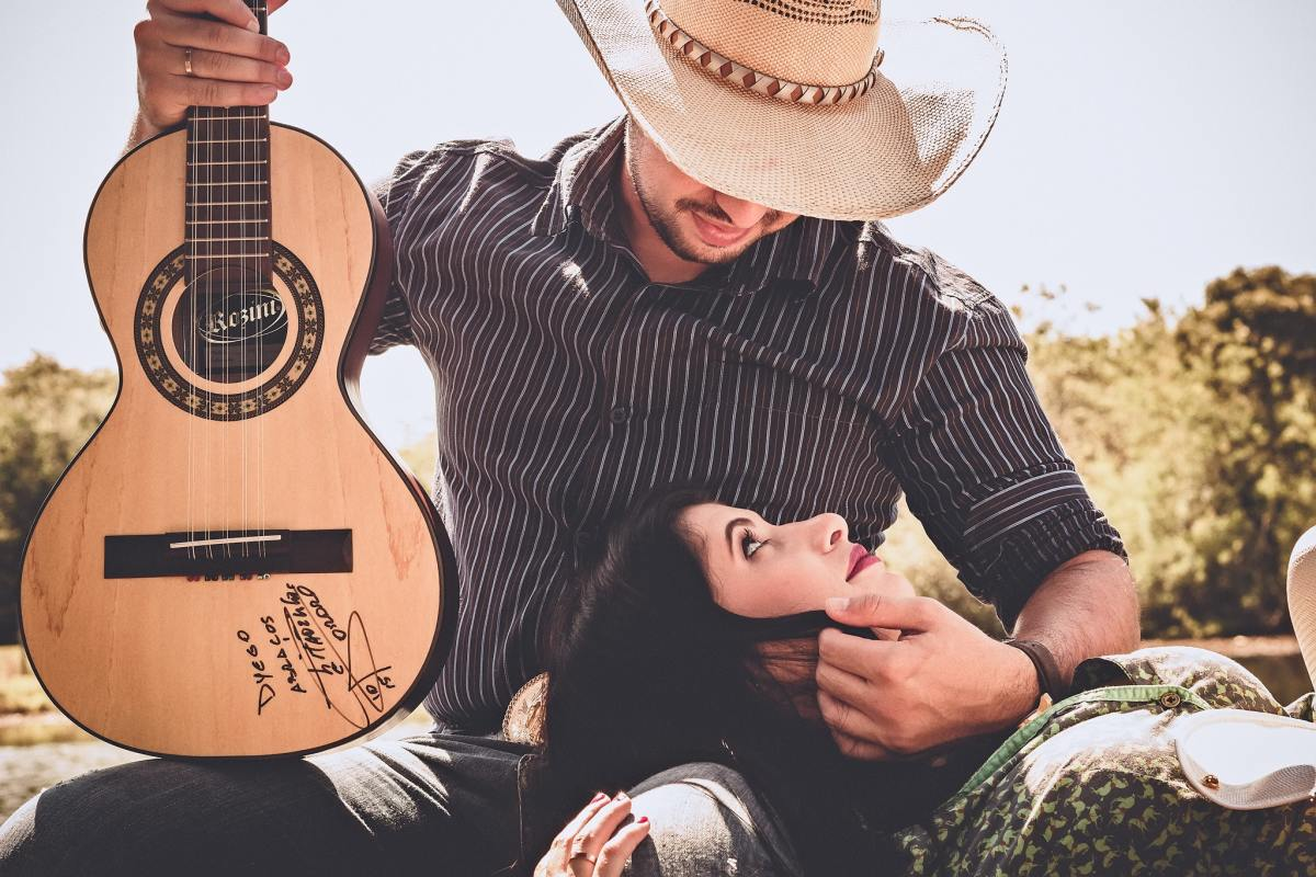 100 Best Country Love Songs