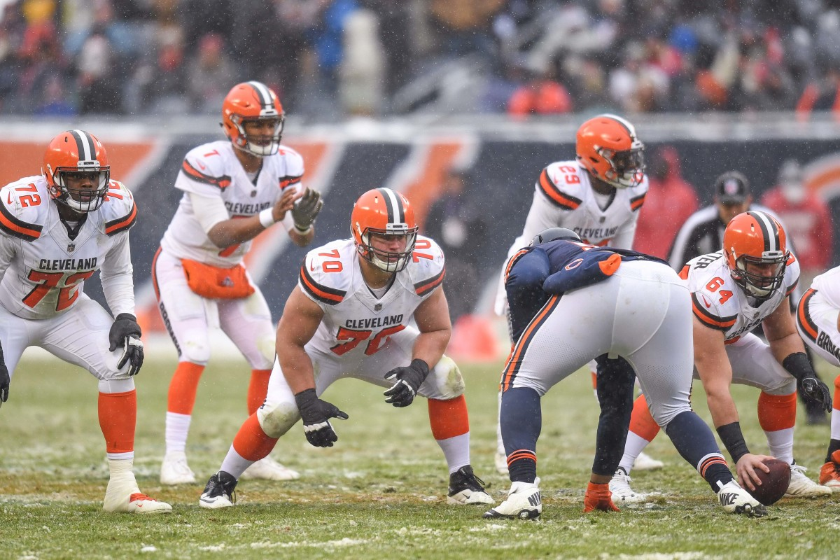 The 2017 Cleveland Browns offensive line prepares for a play against the Chicago Bears.