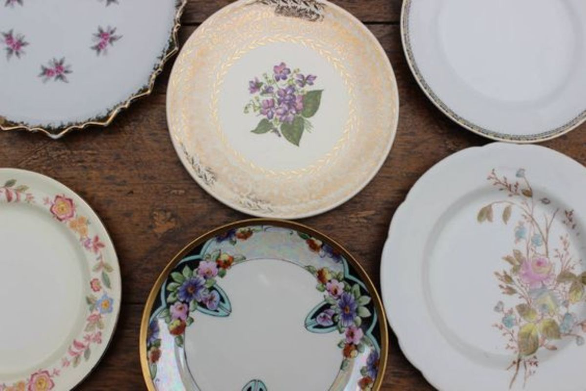 Disposable paper plates may be a convenient way to serve food at a gathering, but opting to have guests bring their own plates will save you time and money and reduce your party's impact on the environment.