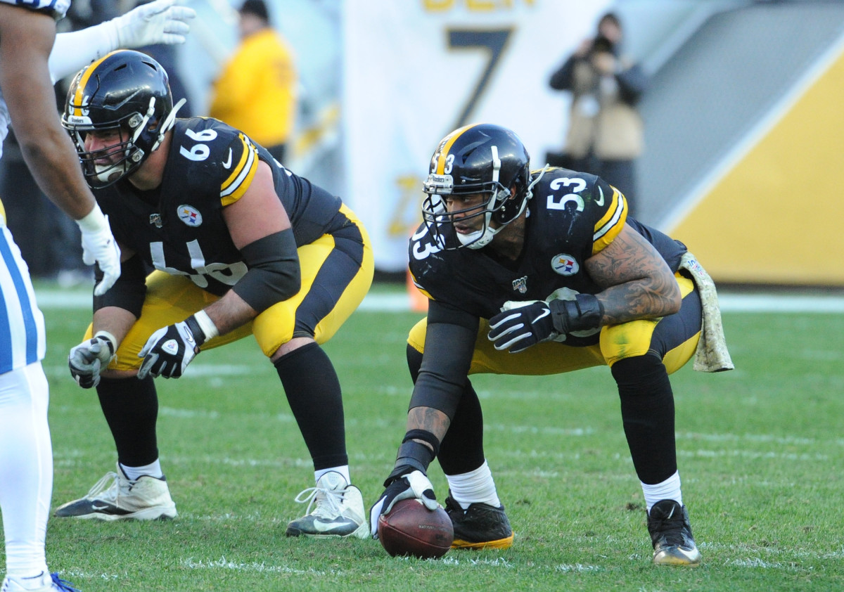 Pittsburgh Steelers center Maurkice Pouncey (53) and guard David DeCastro (66).