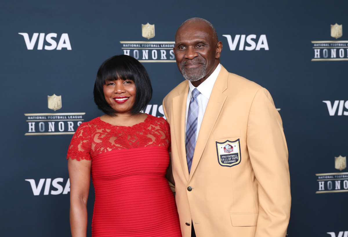 NFL Hall of Famer Harry Carson arrives on the red carpet prior to the 6th Annual NFL Honors at Wortham Theater, Feb. 4, 2017
