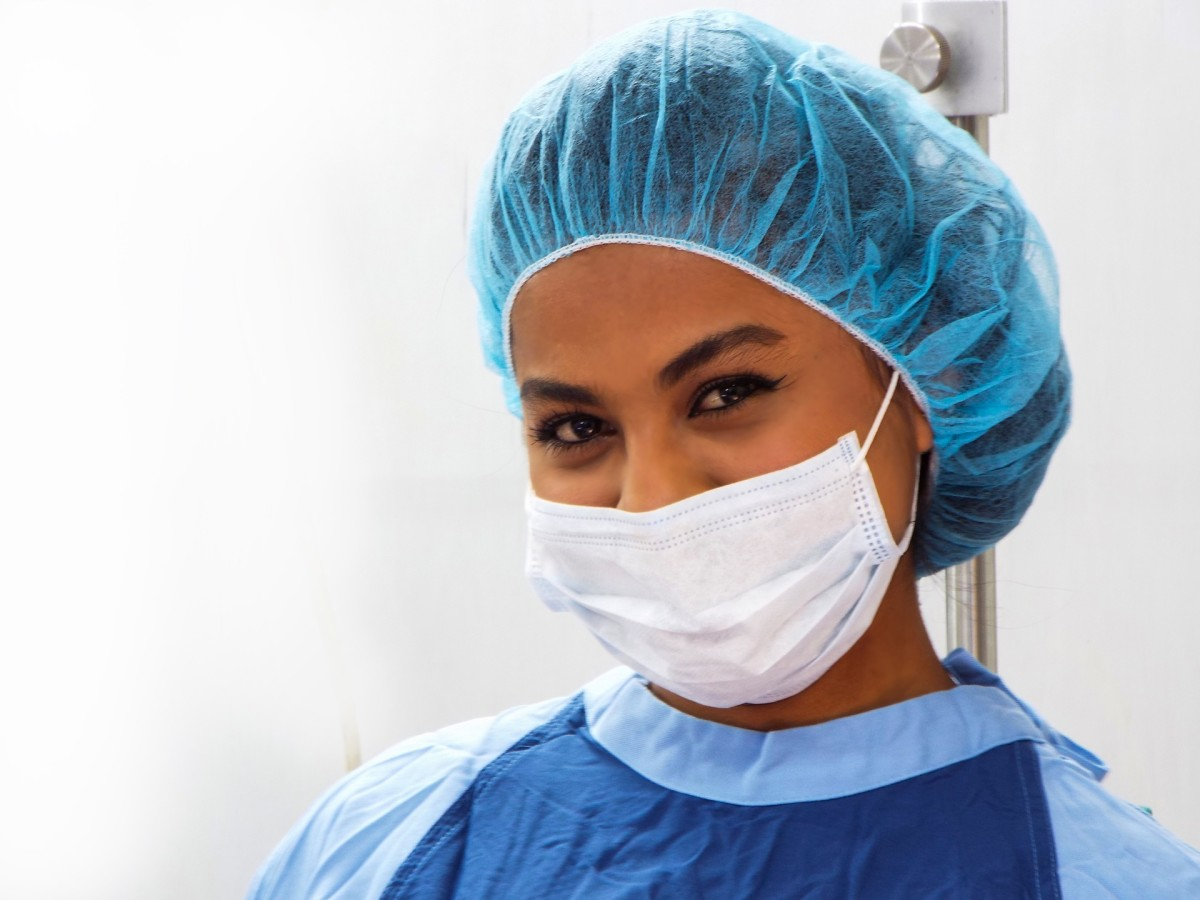 All people in the OR are required to wear personal protective equipment.