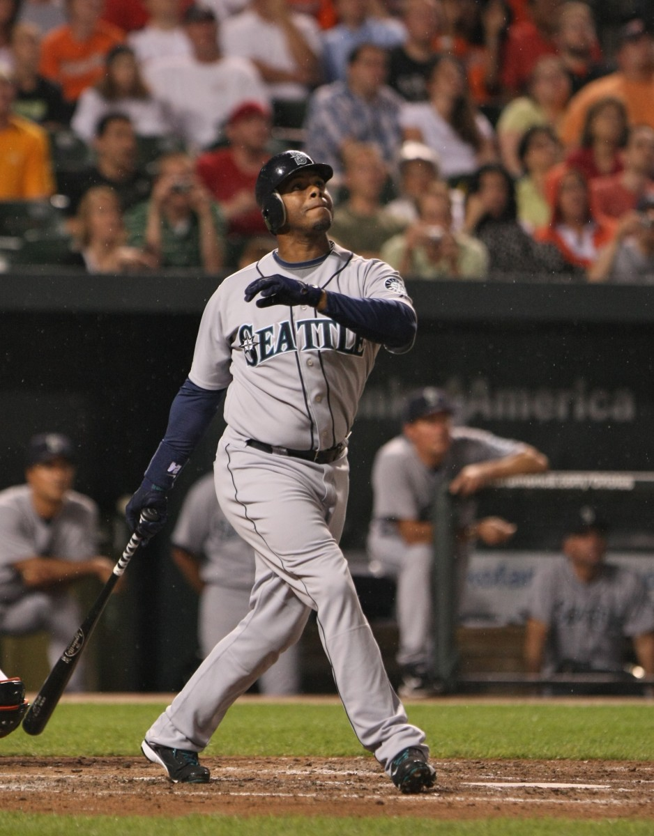 Ken Griffey Jr. watches a deep fly ball during his second stint with the Seattle Mariners in 2009.
