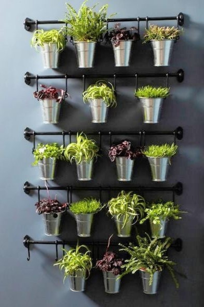 Space-saving herb hangers: Ikea Herb hanger with pots