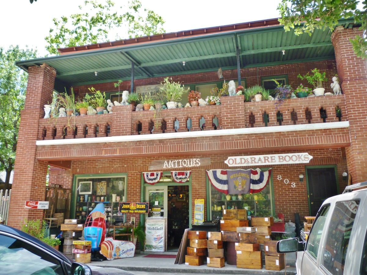 August Antiques Store in the Houston Heights