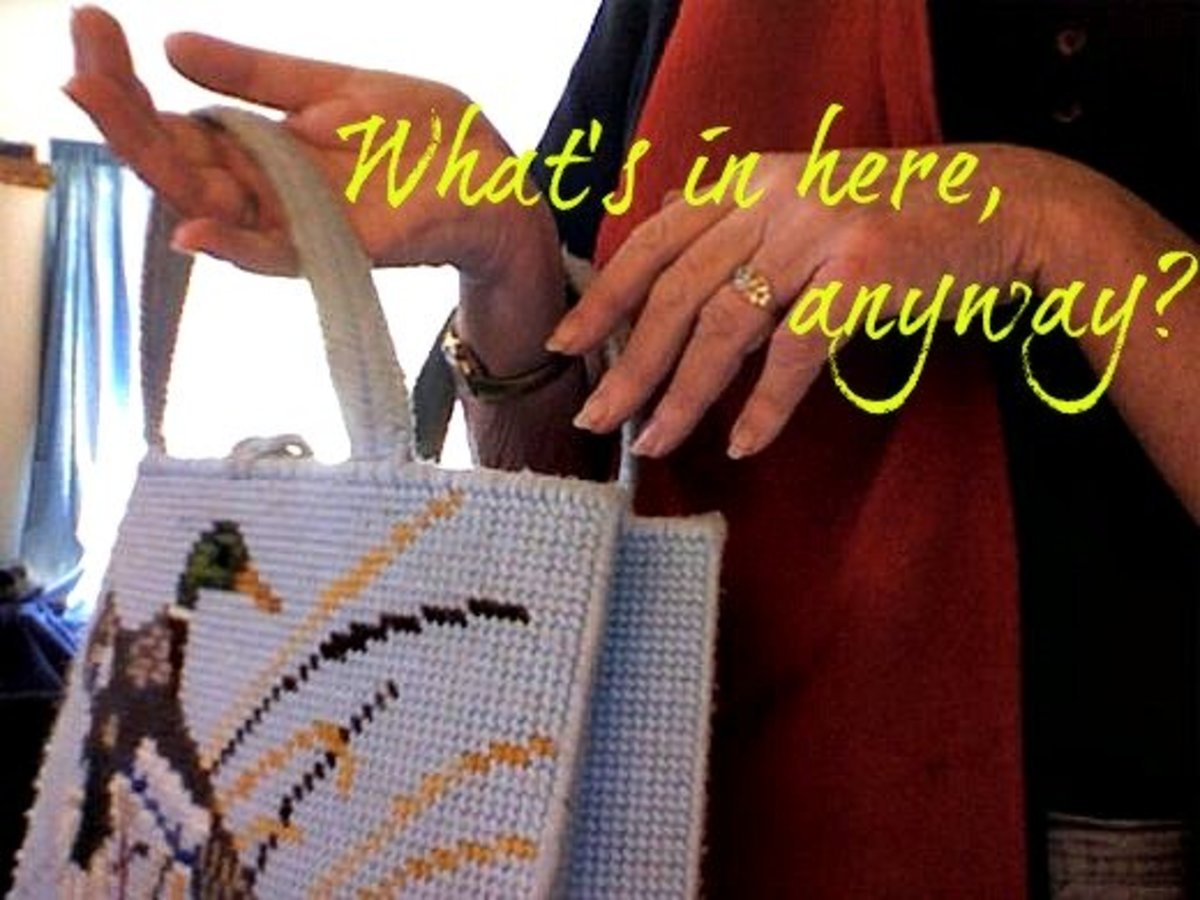 Do You Carry a Handbag or Are You Purposely Purseless and Proud?