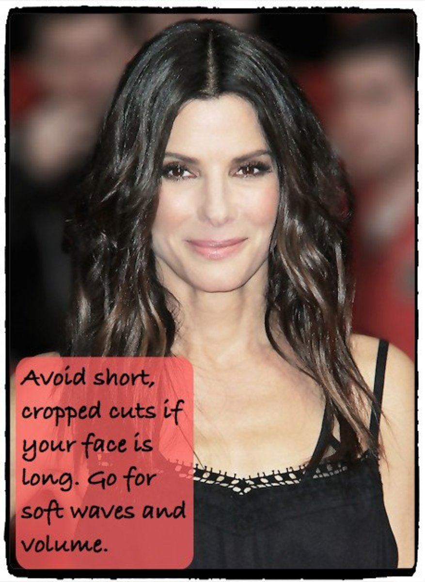 Sandra Bullock's long face shape looks great with wavy volume at ear-level.