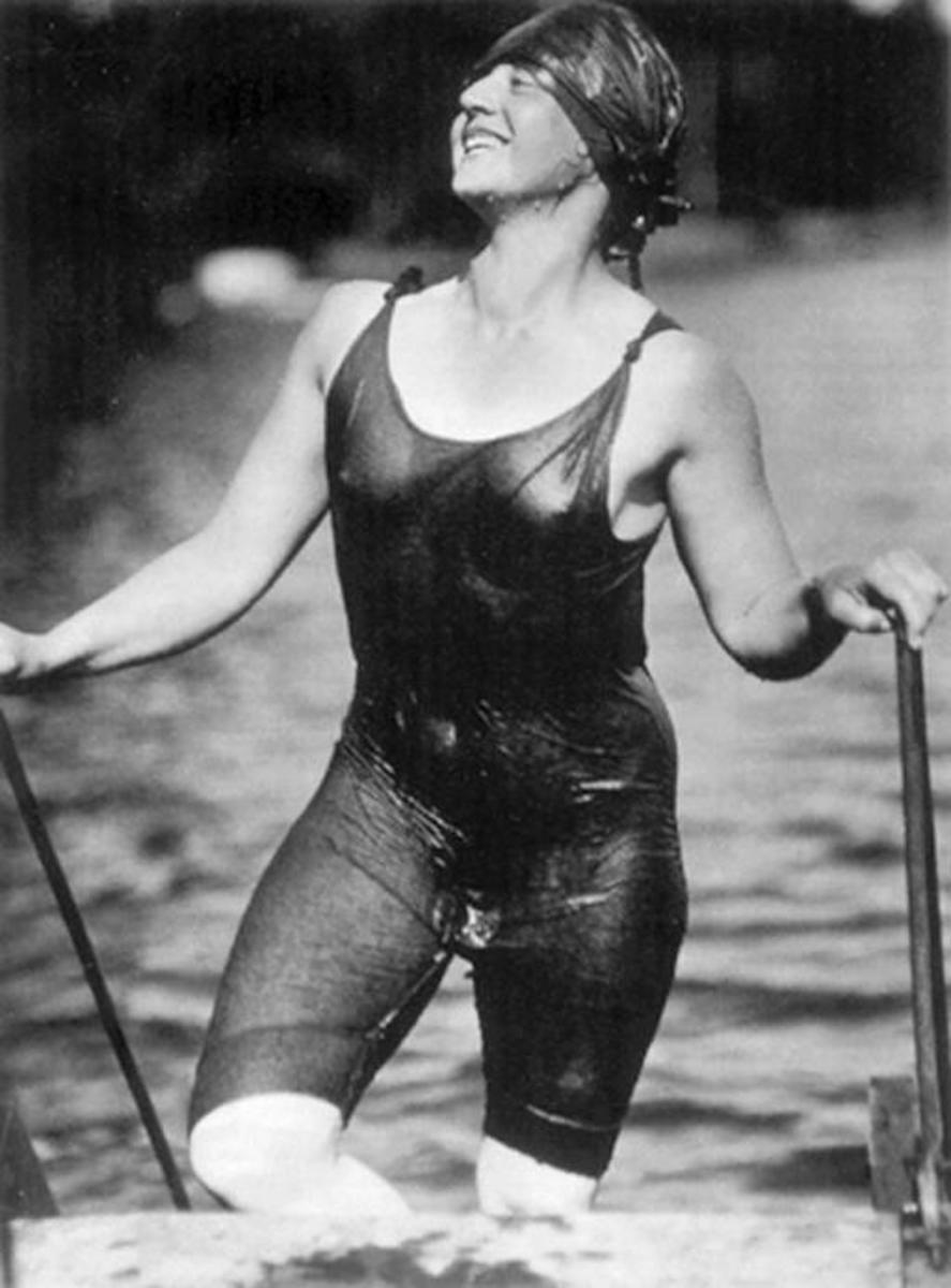1916 - The sevealing Suit of a compitative swimmer