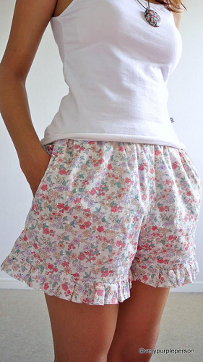 Prim & Proper Floral Shorts