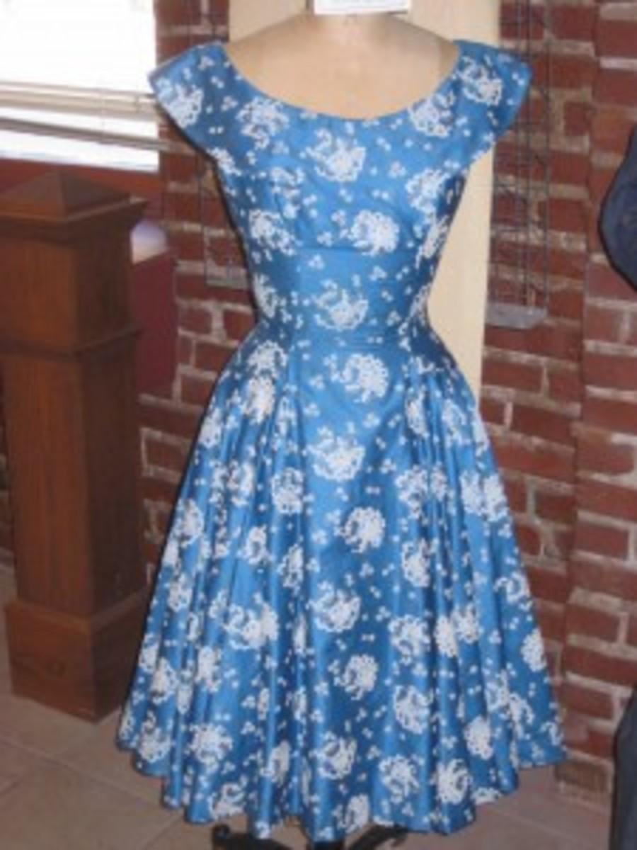 A beautiful blue vintage 50s dress!