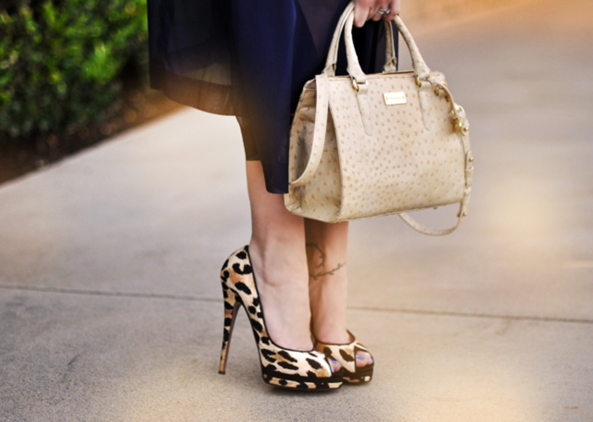 Sexy '50s-style pumps and stilettos are all the rage!