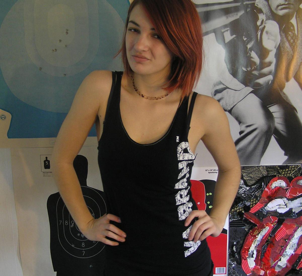 diy-fashion-make-a-t-shirt-into-a-tank-top