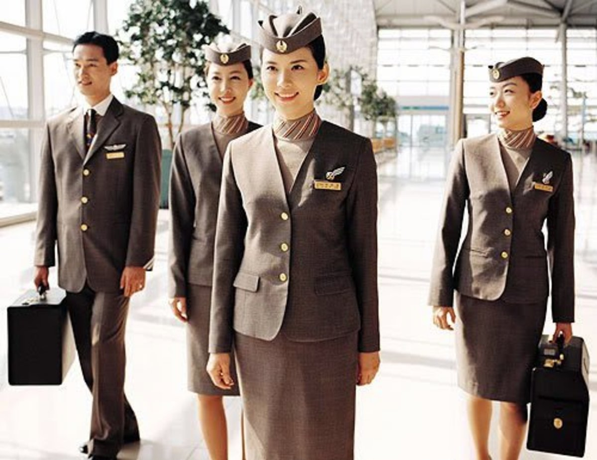 Asiana Airline male and female flight attendants