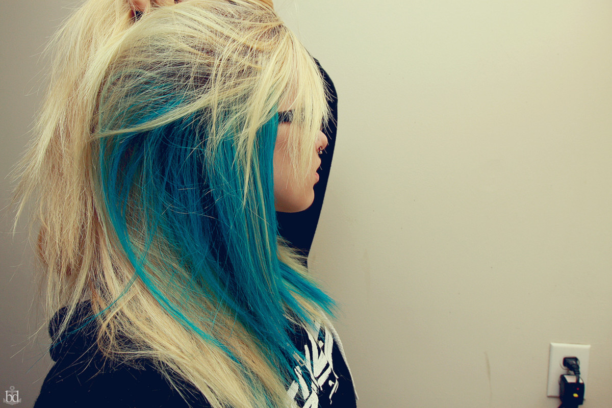 Bleached and colored hair is often susceptible to dryness. Smoothing serums can help.