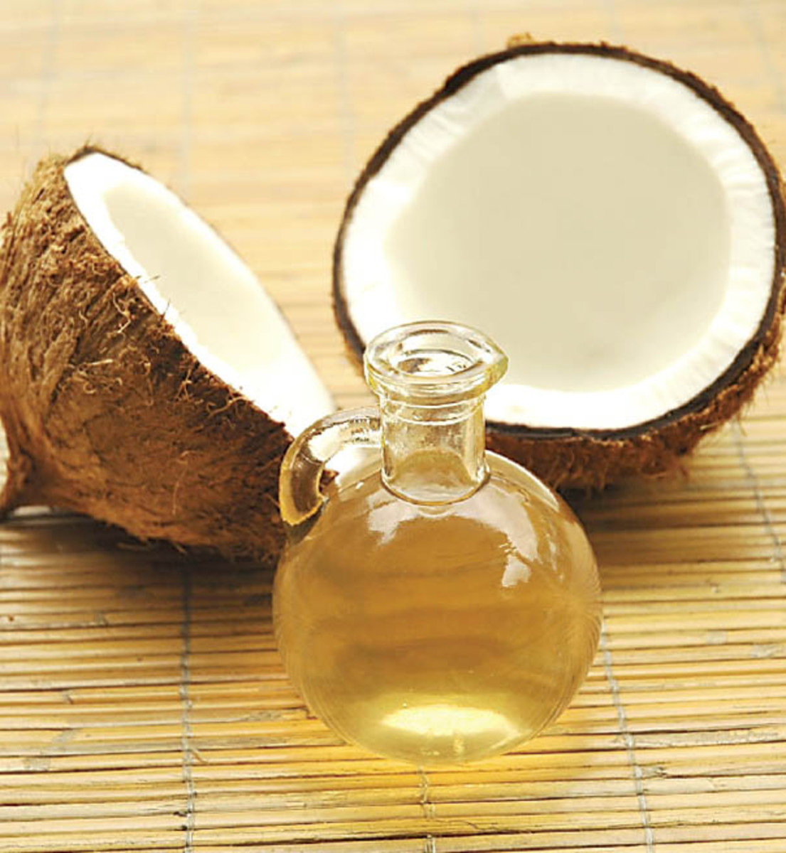 Natural oils, such as coconut, argan and jojoba oil can help you fight frizz.