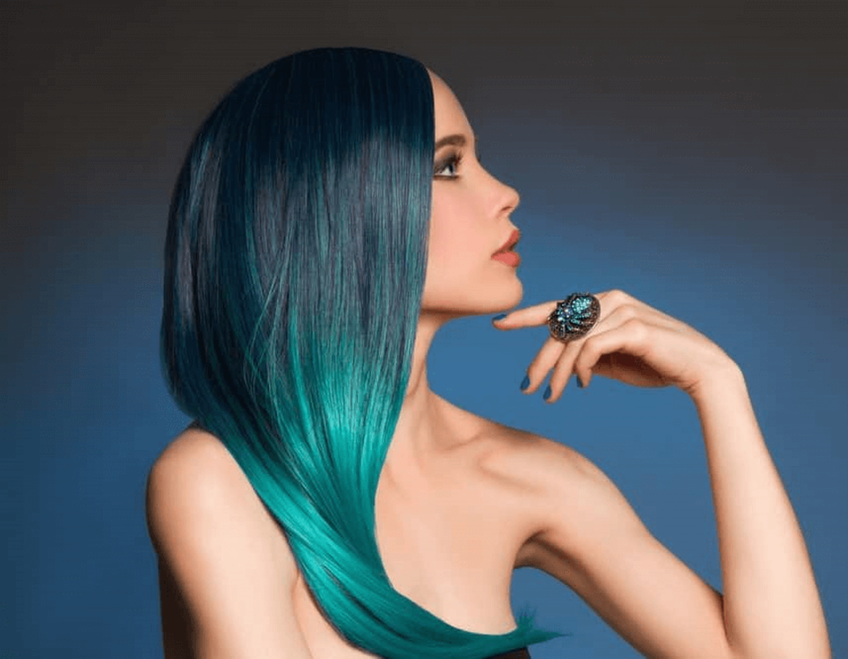 Two-toned blue ombre hair