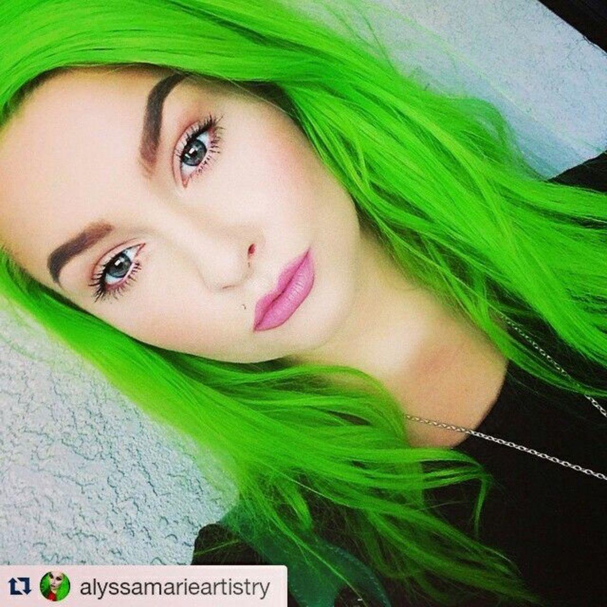 diy-hair-10-neon-hair-color-ideas