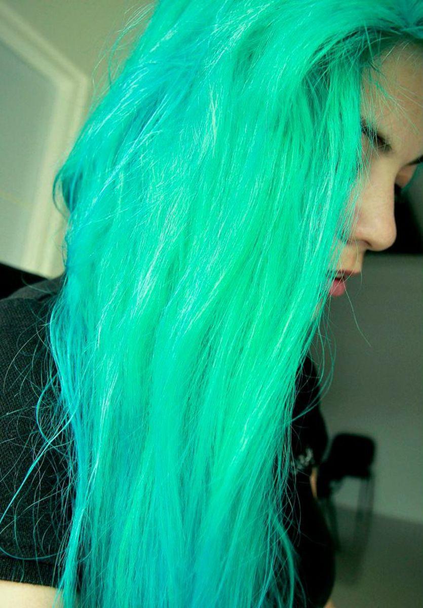 how to make neon green hair dye