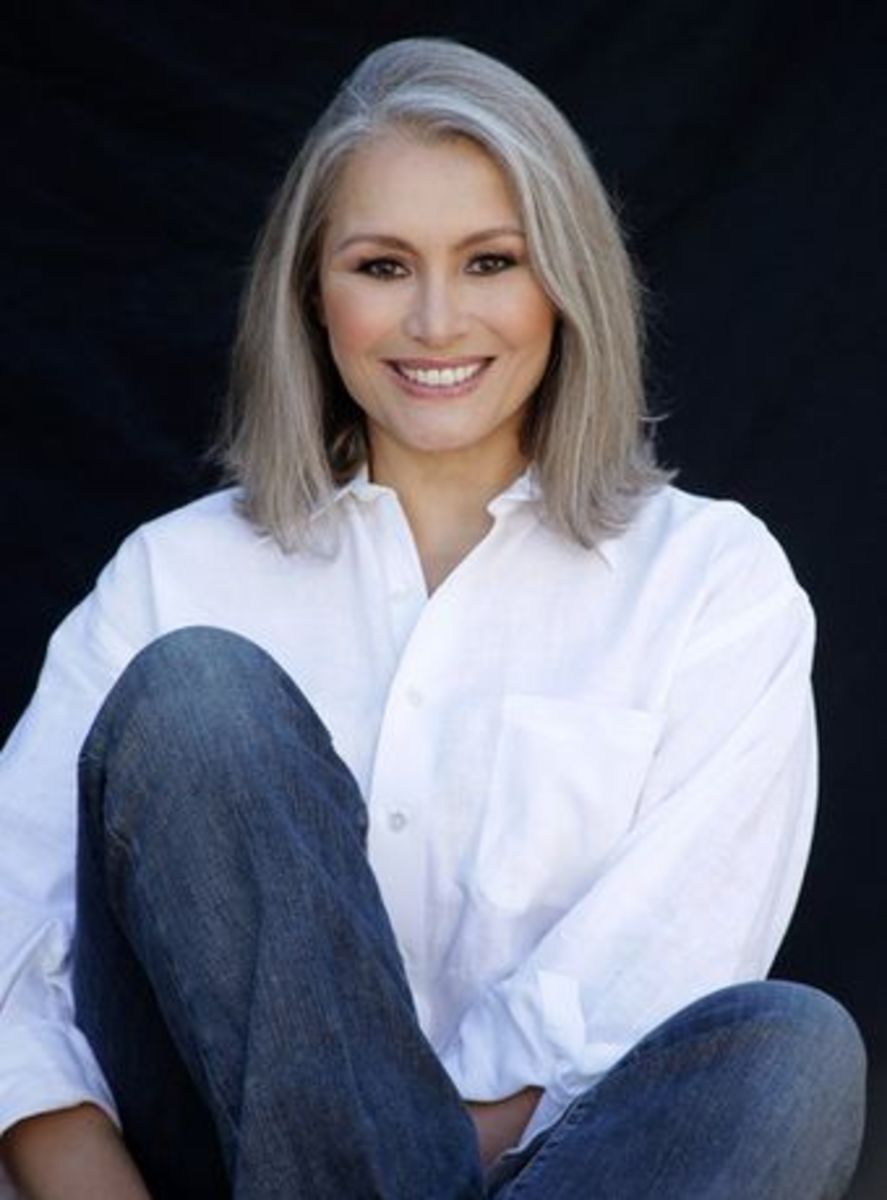 Silver Fox Hair Styles For Medium Texture Wavy Hair