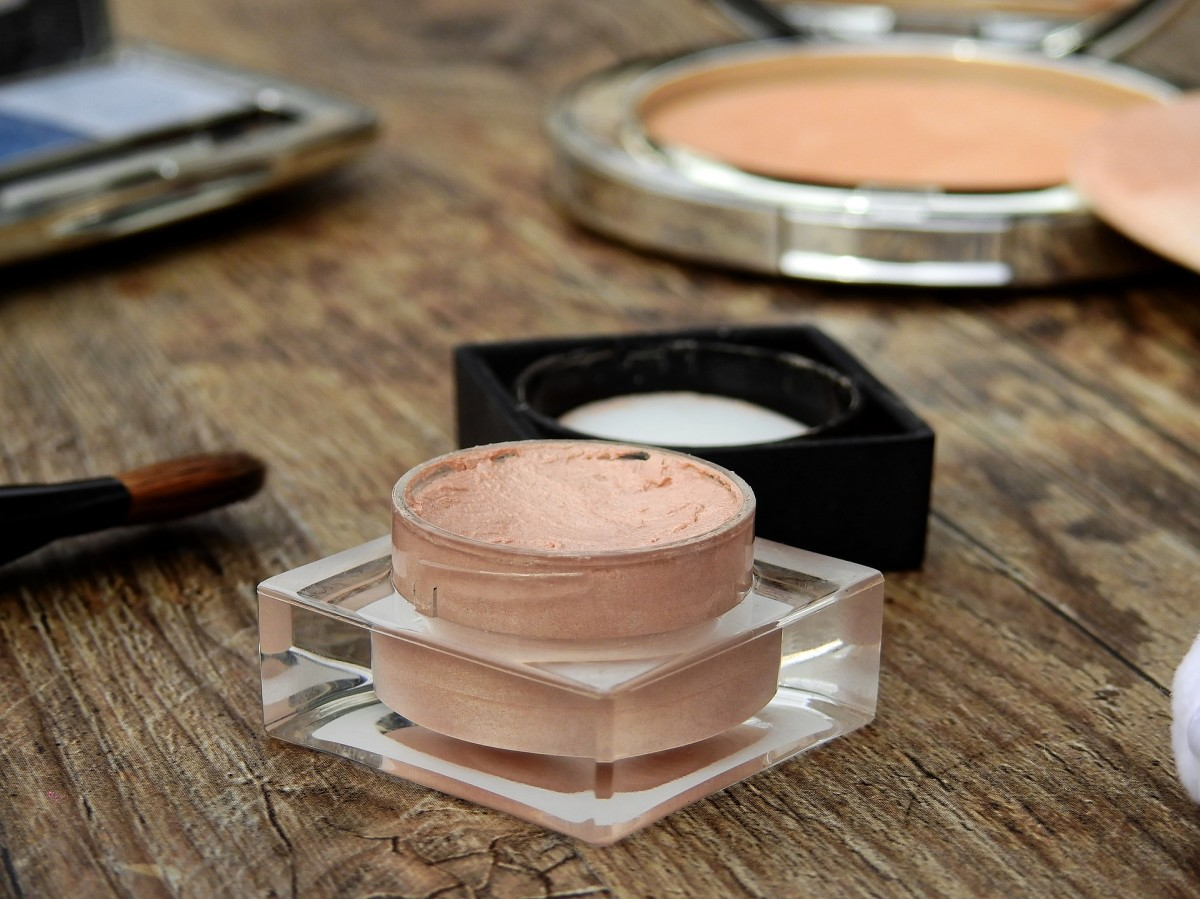 When applying makeup and other products to your skin, be careful not to use excessive amounts.
