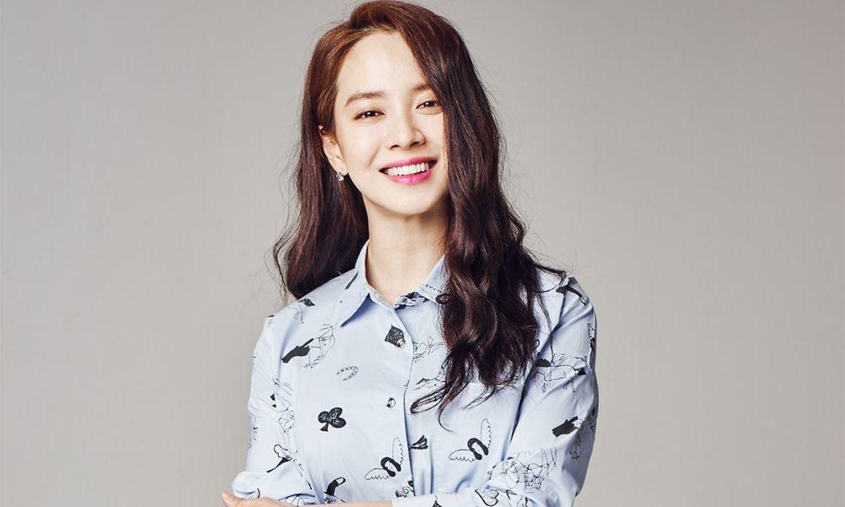 Song JiHyo, age 36