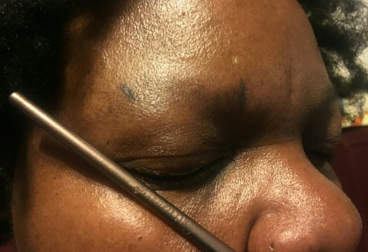 Step 3: The final mark to create the tail, or end, of the eyebrow.