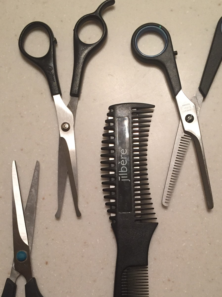 Notice the sharp points, rounded points, double-sided blade, and thinning shears.