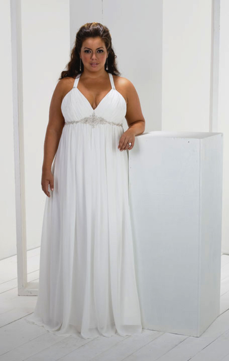 Plus Size Wedding Dresses to Make You Look Like a Queen | Bellatory