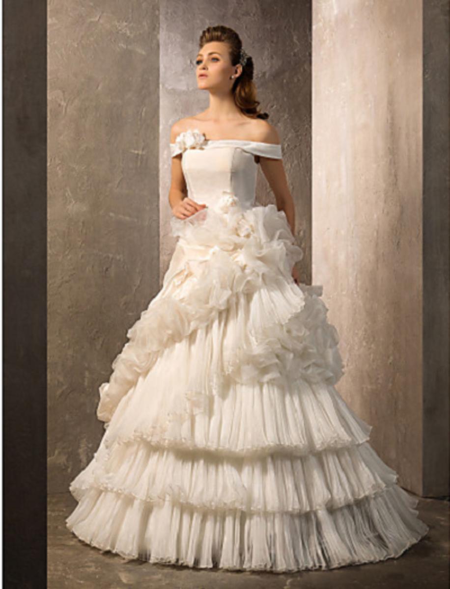 A-line/Princess Off-the-shoulder Floor-length Organza & Taffeta Wedding Gown