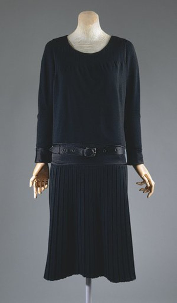 1927 wool jersey little black dress designed by Chanel
