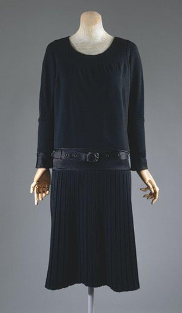 Маленькое платье от Коко Шанель.