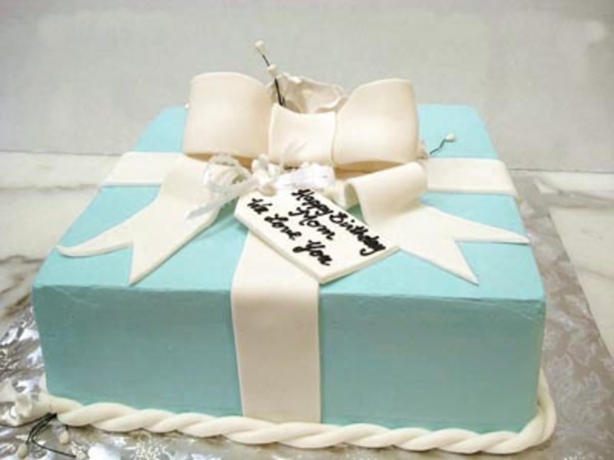 Tiffany blue box birthday cake.